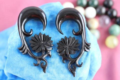 Black Lotus Carved Ear Stretch Earrings
