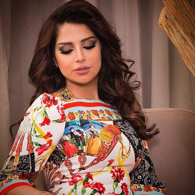 10 7k Likes 259 Comments Hanan Alnajadah حنان النجادة Hananalnajadah On Instagram Esswithlove مكياجي عالجميله اسراء الهاجري شع Fashion Saree Make Up