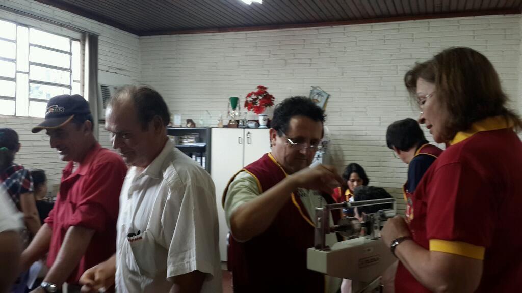 A puro servicio Club de Leones CDE Distrito M1 Paraguay