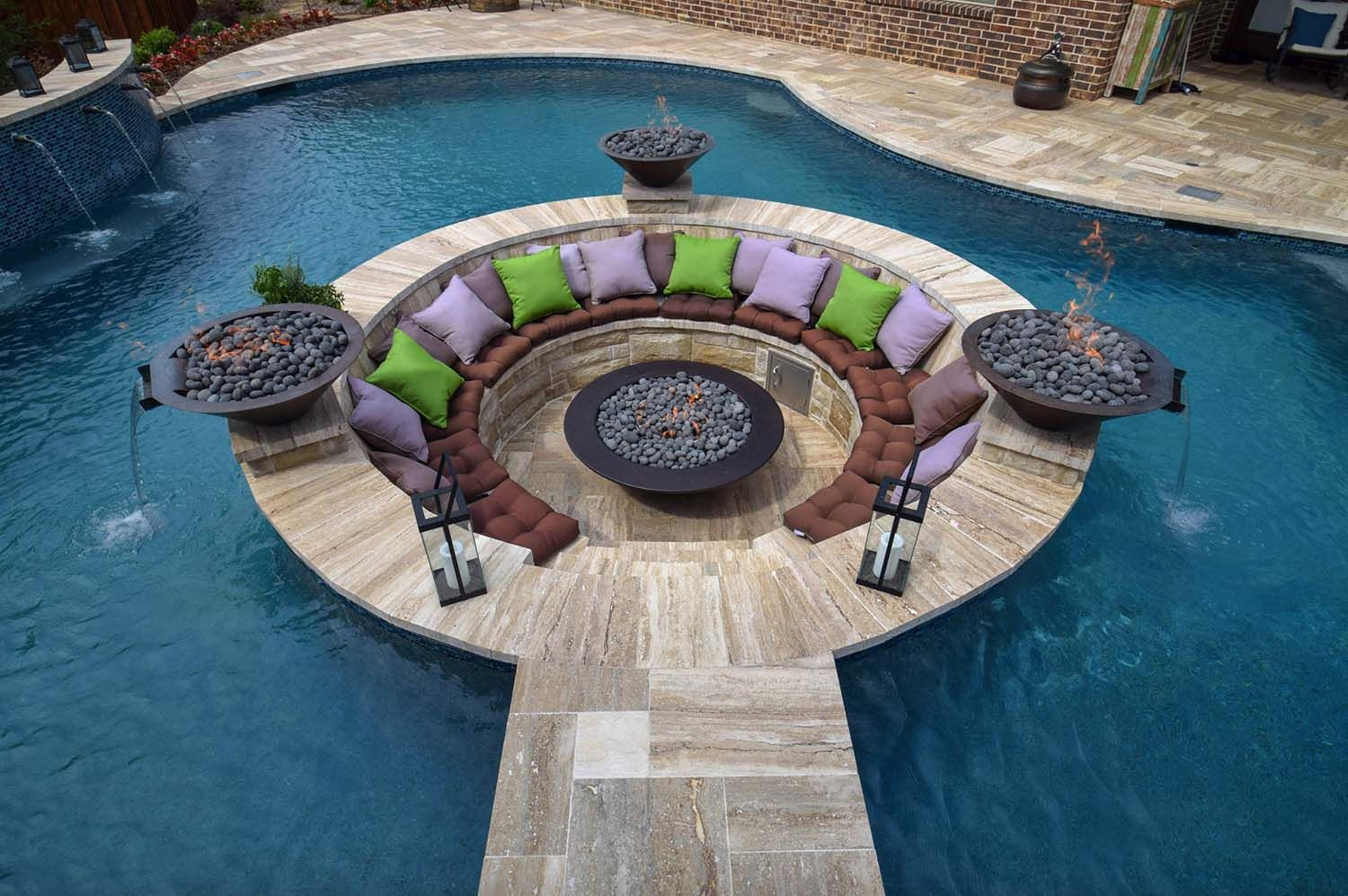 20 Spectacular Outdoor Swimming Pool Ideas With Gorgeous Surroundings Geometric Pool Luxury Swimming Pools Swimming Pool Designs