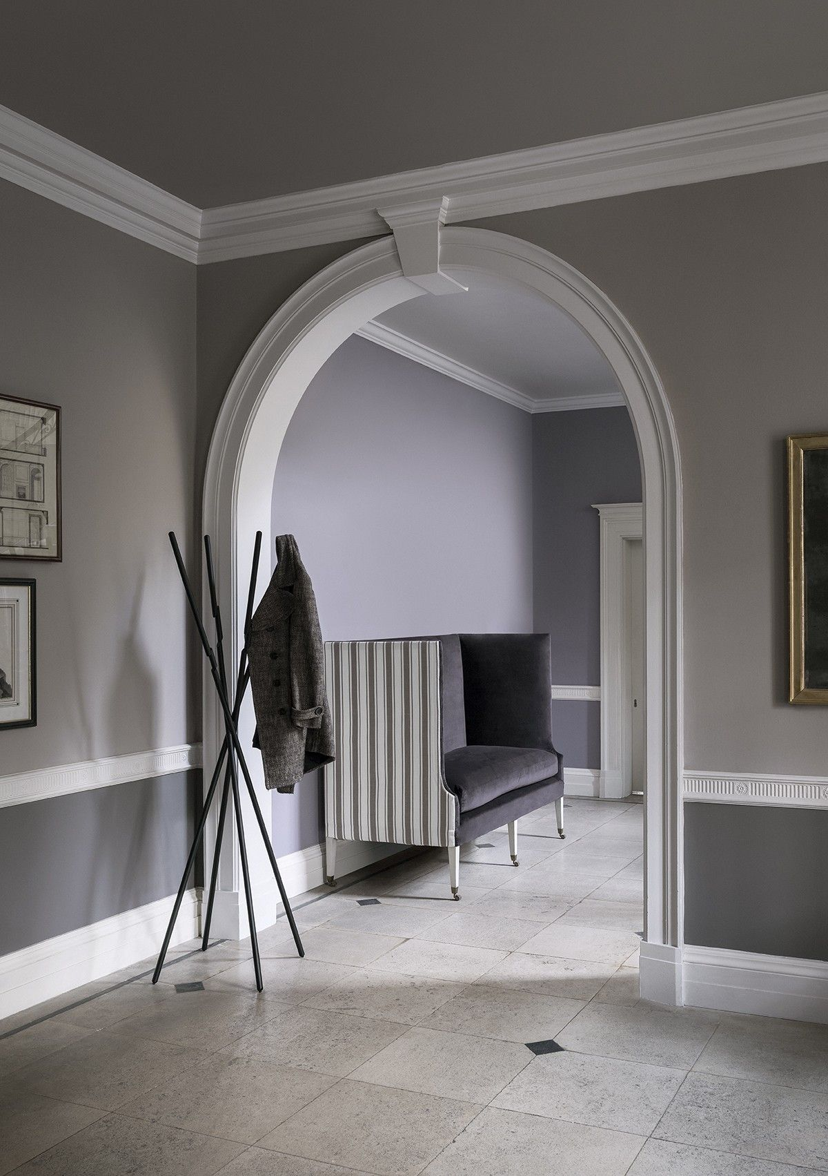 Best Gorgeous Grey Walls And Neutral Hallway Decor From Erica 640 x 480