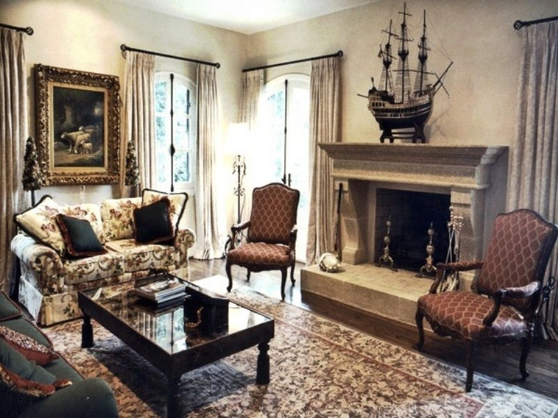 beautiful english rooms | ... Classic Delightful Antique Living ...