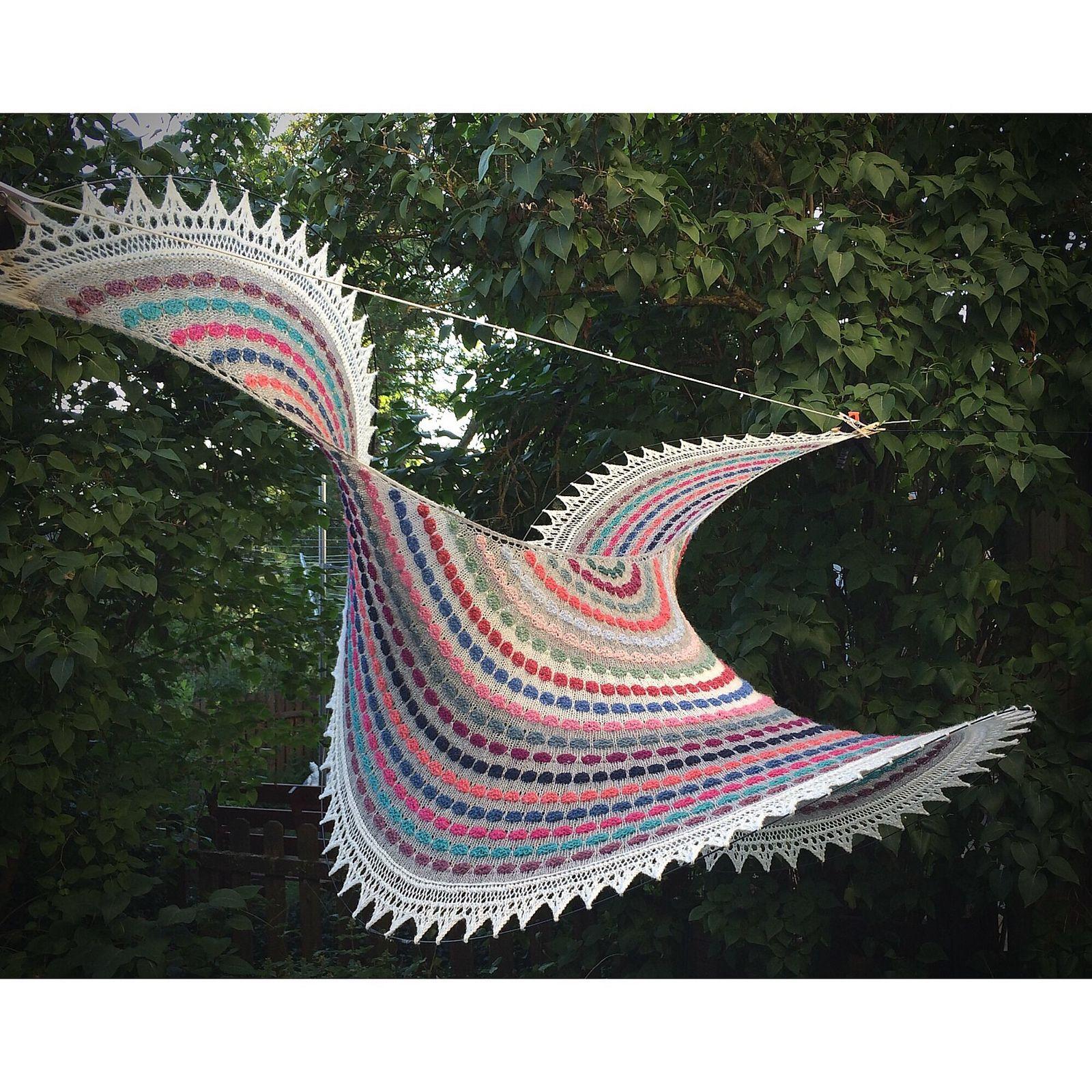 Cool shawl photo! Ravelry Garnomera's Pop Spots Shawl