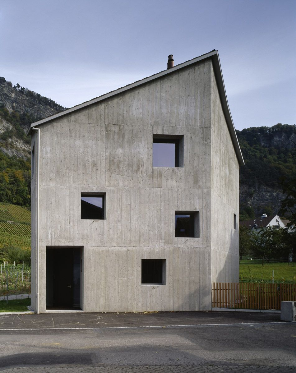 Five Sided Concrete Guard Towering Over The Swiss Village Designed By Bearth And Deplazes Concrete Architecture Architecture Roof Architecture