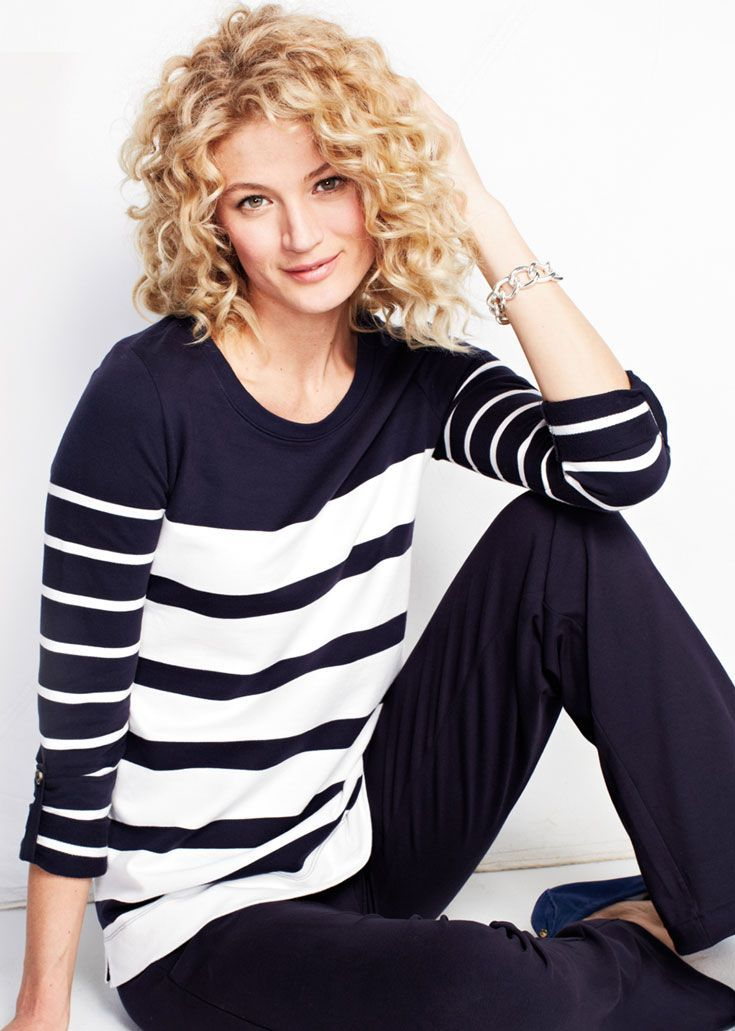 The Ultimate In Casual Cool Stripe Open Crewneck Top Black