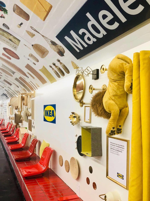 Ikea Ouvre Son 1er Magasin A Paris En Envahissant Le Metro Madeleine Magasin Paris Ikea Meuble Suedois
