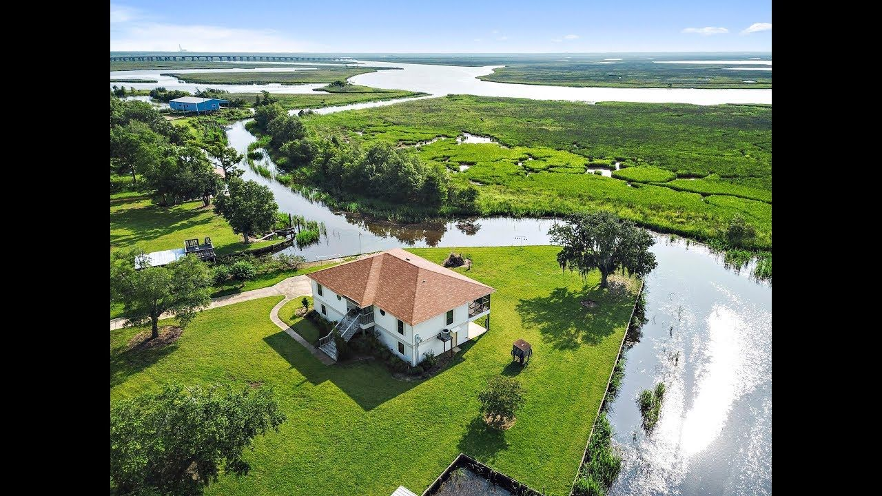 Waterfront Home With Deep Water Access Gautier Ocean Springs Biloxi Diberville And Keesler Afb Real Waterfront Homes Waterfront Homes For Sale Waterfront