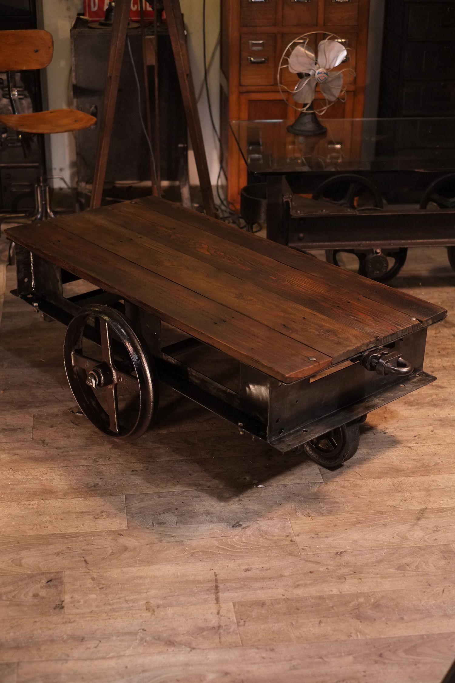 charriot d\'usine style ancien   meuble industriel vintage de Renaud ...