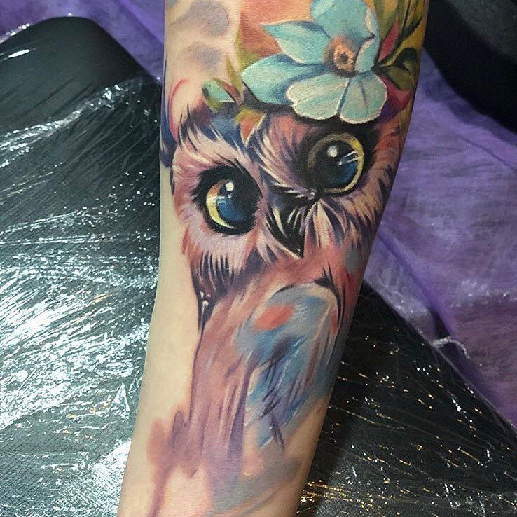 Cute Watercolor Owl Tattoo C 7needles Tattoo Studio In Rzeszow Cute Owl Tattoo Watercolor Owl Tattoos Owl Tattoo Sleeve