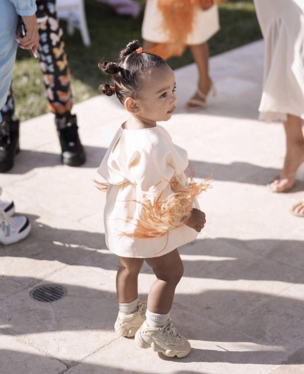 Pin By Leah Sliwinski On Kardashian Kids Kardashian Kids Baby Girl Fashion Baby Fashion