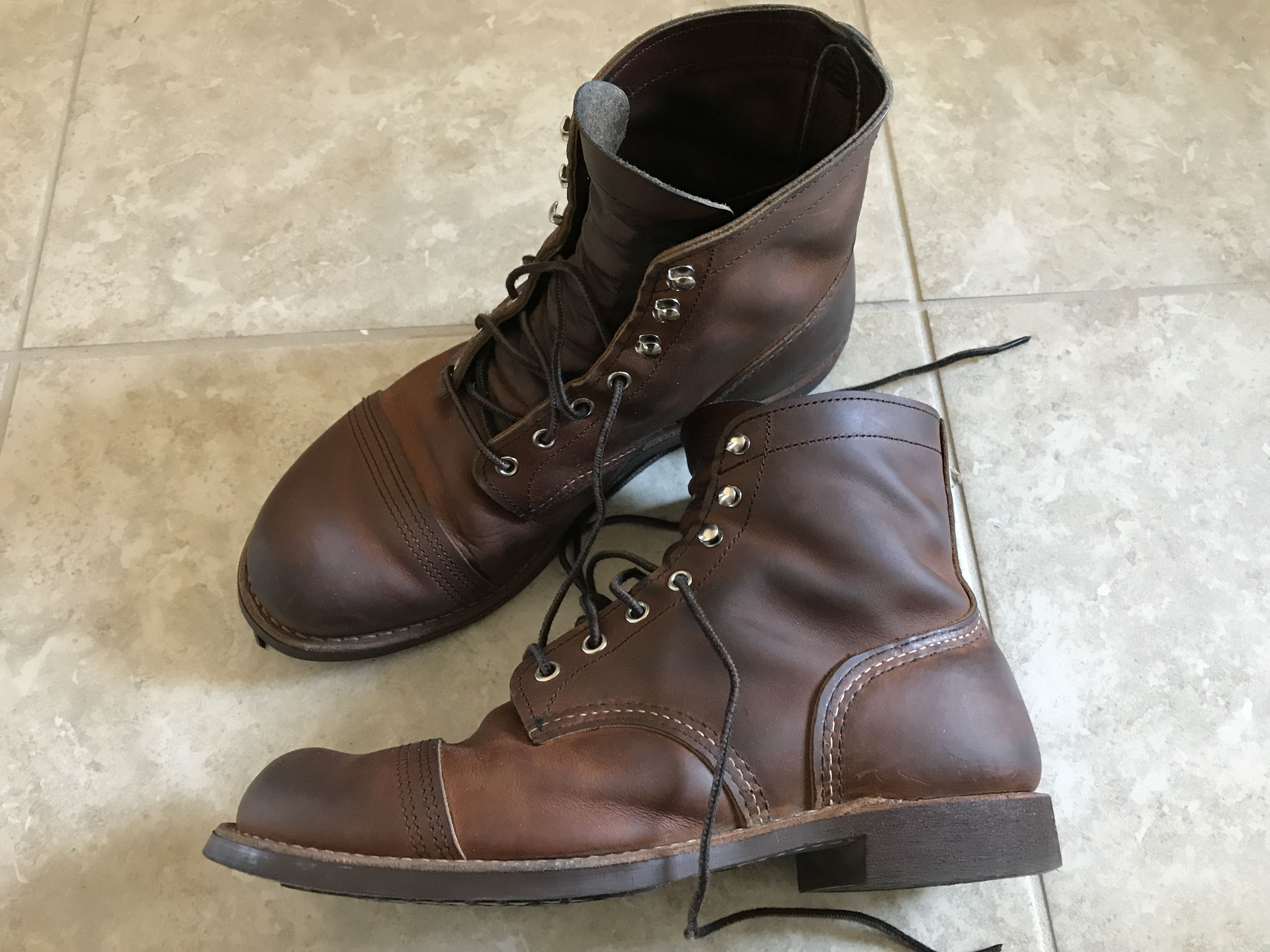 How to waterproof leather boots with spray