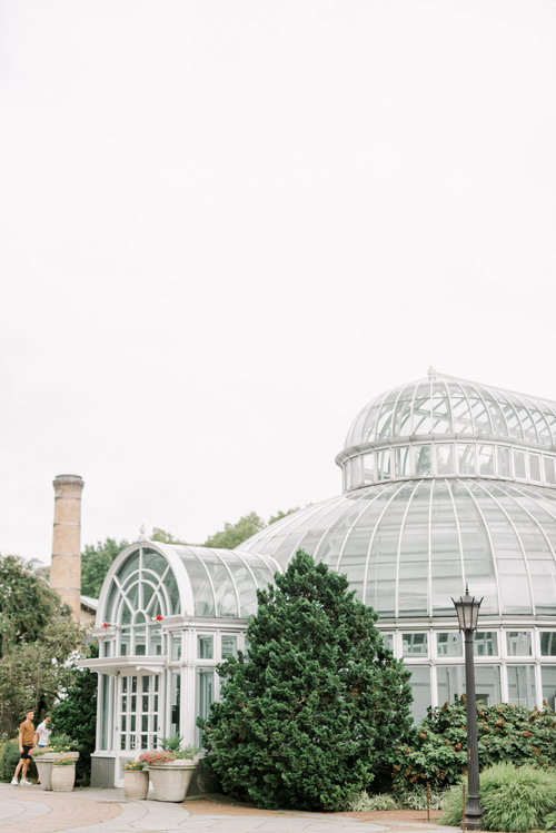 Emily  Matt  Late Summer Brooklyn Botanical Gardens Engagement Session  Haley Richter PhotographyBlog Creating clear structures Good planning allows you to make optimal u...