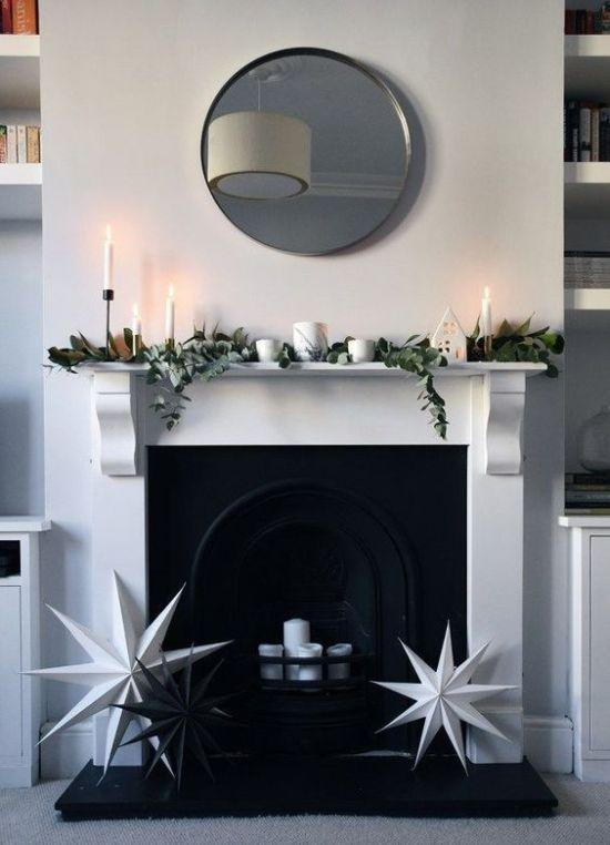 Minimalist Christmas Décor With Magnolia Leaves And Eucalyptus #magnoliachristmasdecor