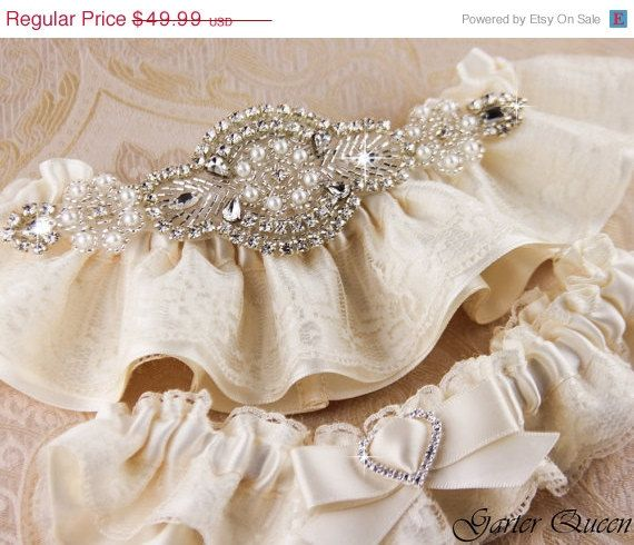 15 OFF Wedding garter set Ivory stretch lace Bridal by GarterQueen, $42.49