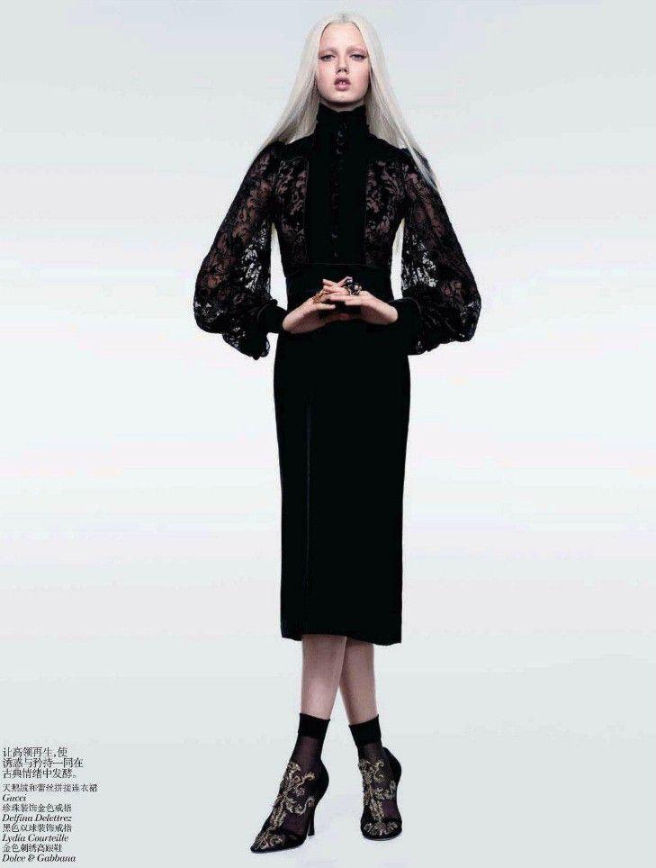 Publication:Vogue China October 2012  Model:Lindsey Wixson  Photographer:Sharif Hamza  Fashion Editor:Julia Von Boehm