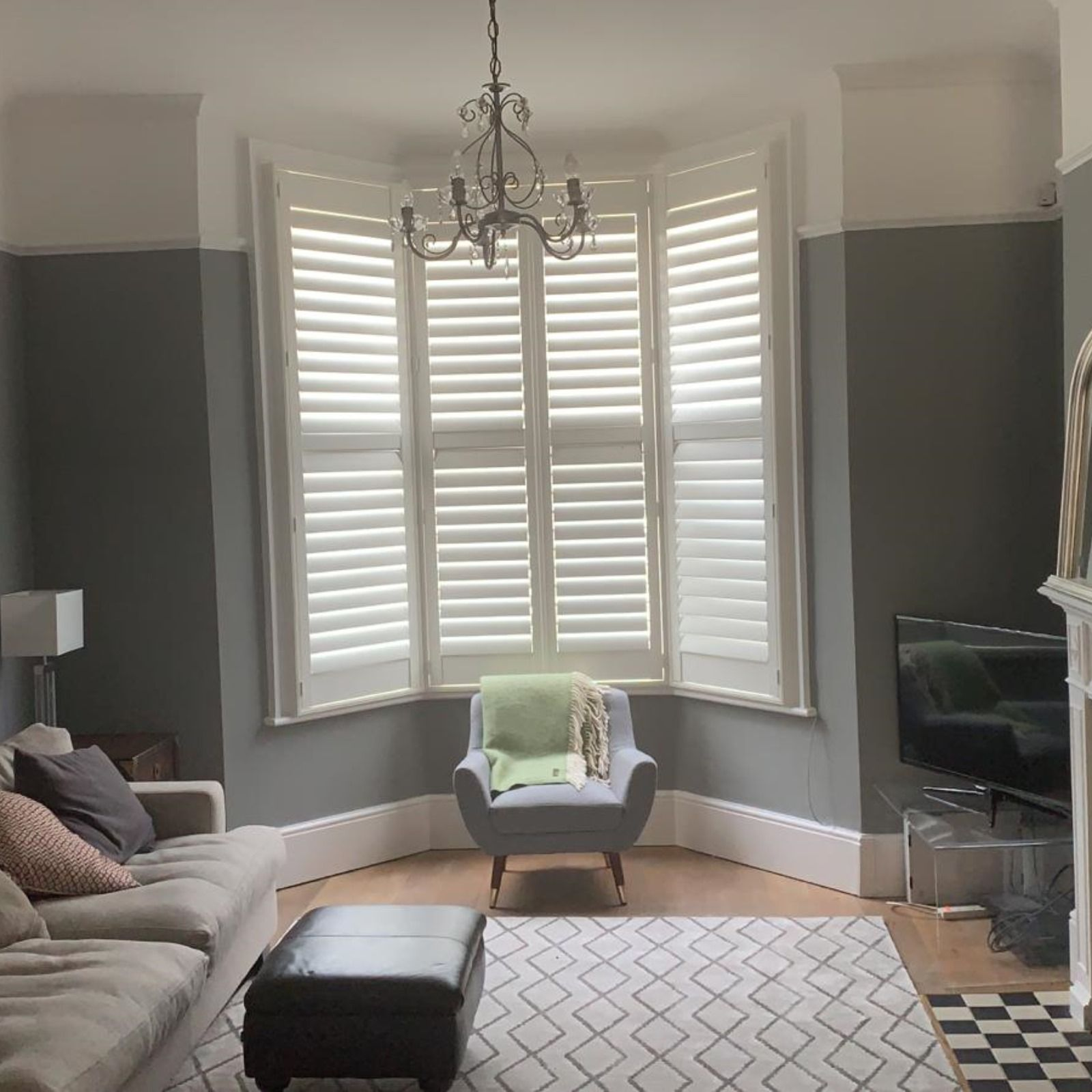 This typical Victorian sash bay window was completed with
