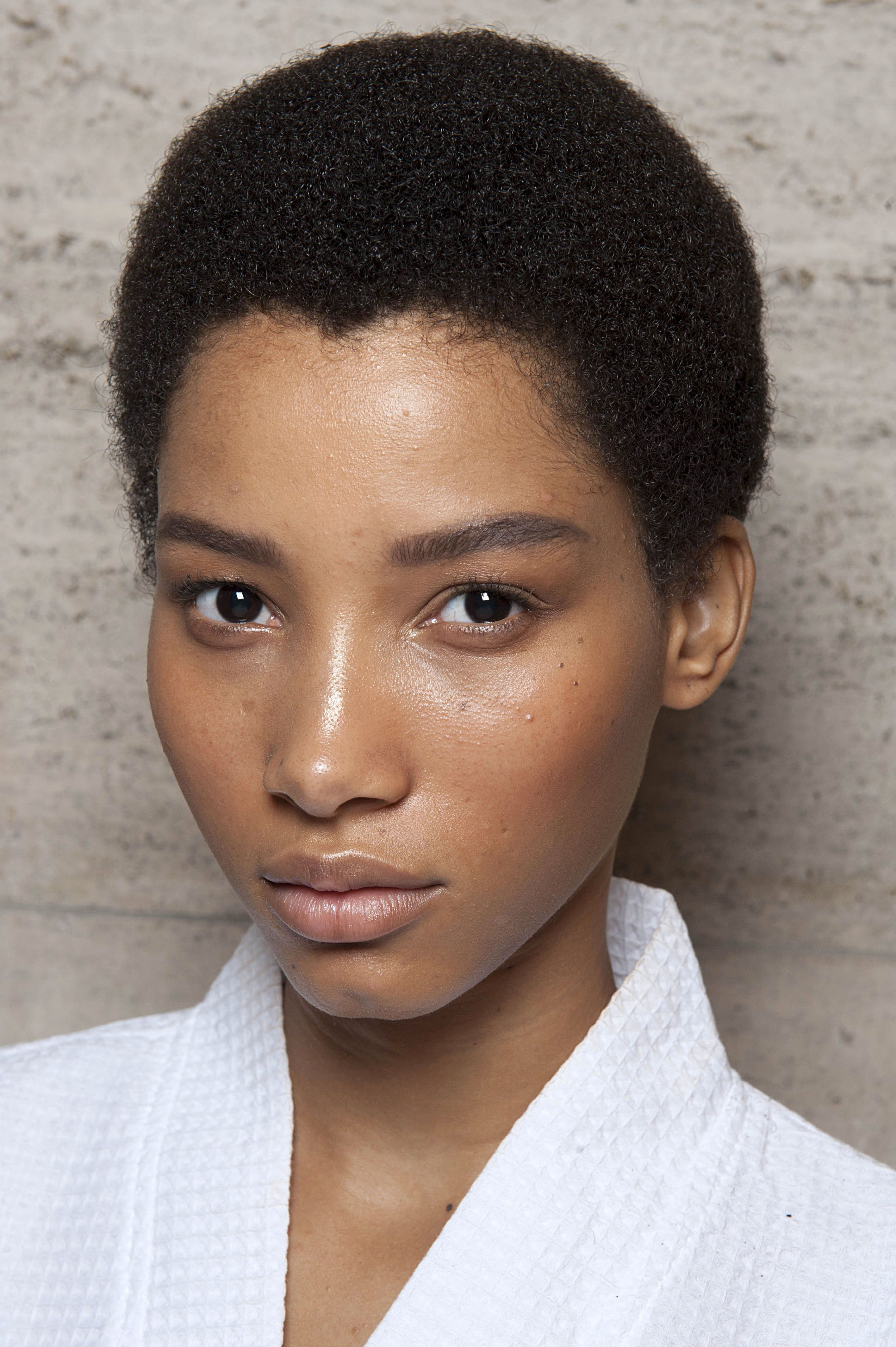 10 Hair Looks You Can Do in Less Than 30 Seconds Natural