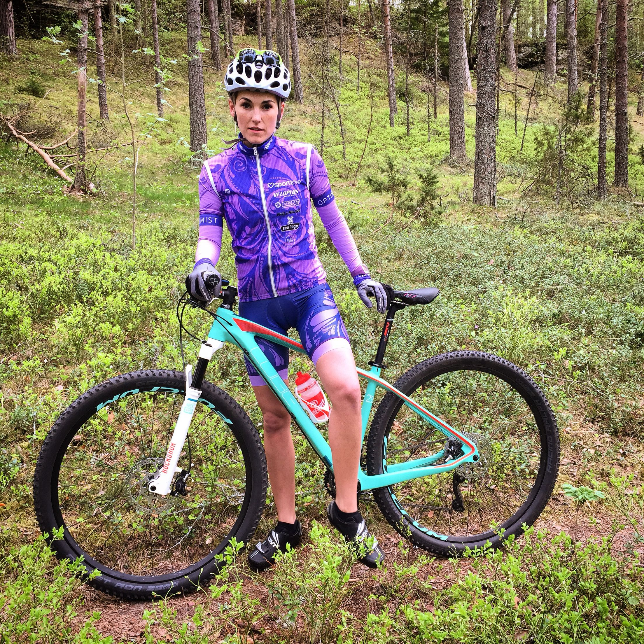 Woman cycling clothes - Sportlove design