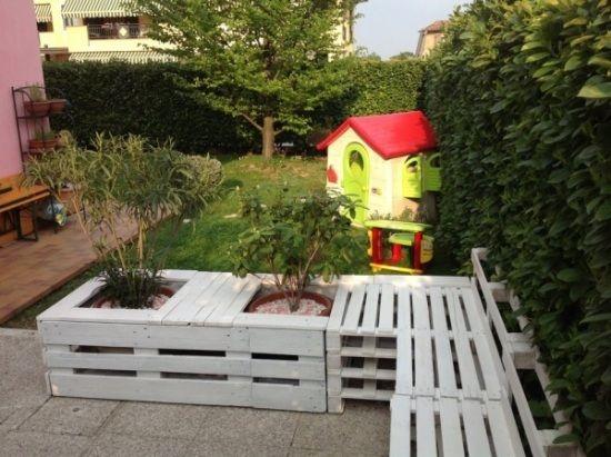 europaletten möbel garten-terrasse-weiß streichen | garten, Terrassen deko