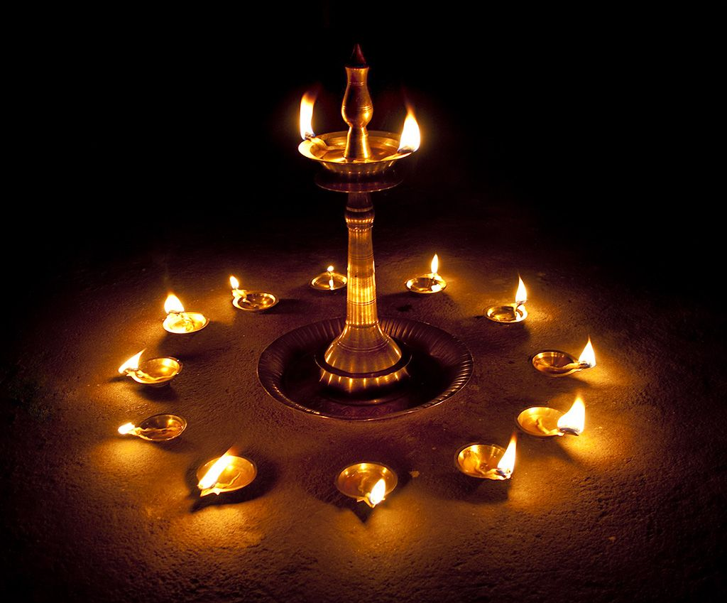 Celebrations Of Karthikai Deepam Is The Realization Of A Saga Of The Holy Trrinity Of Hinduis Diwali Decorations At Home Festival Lights Diwali Decorations