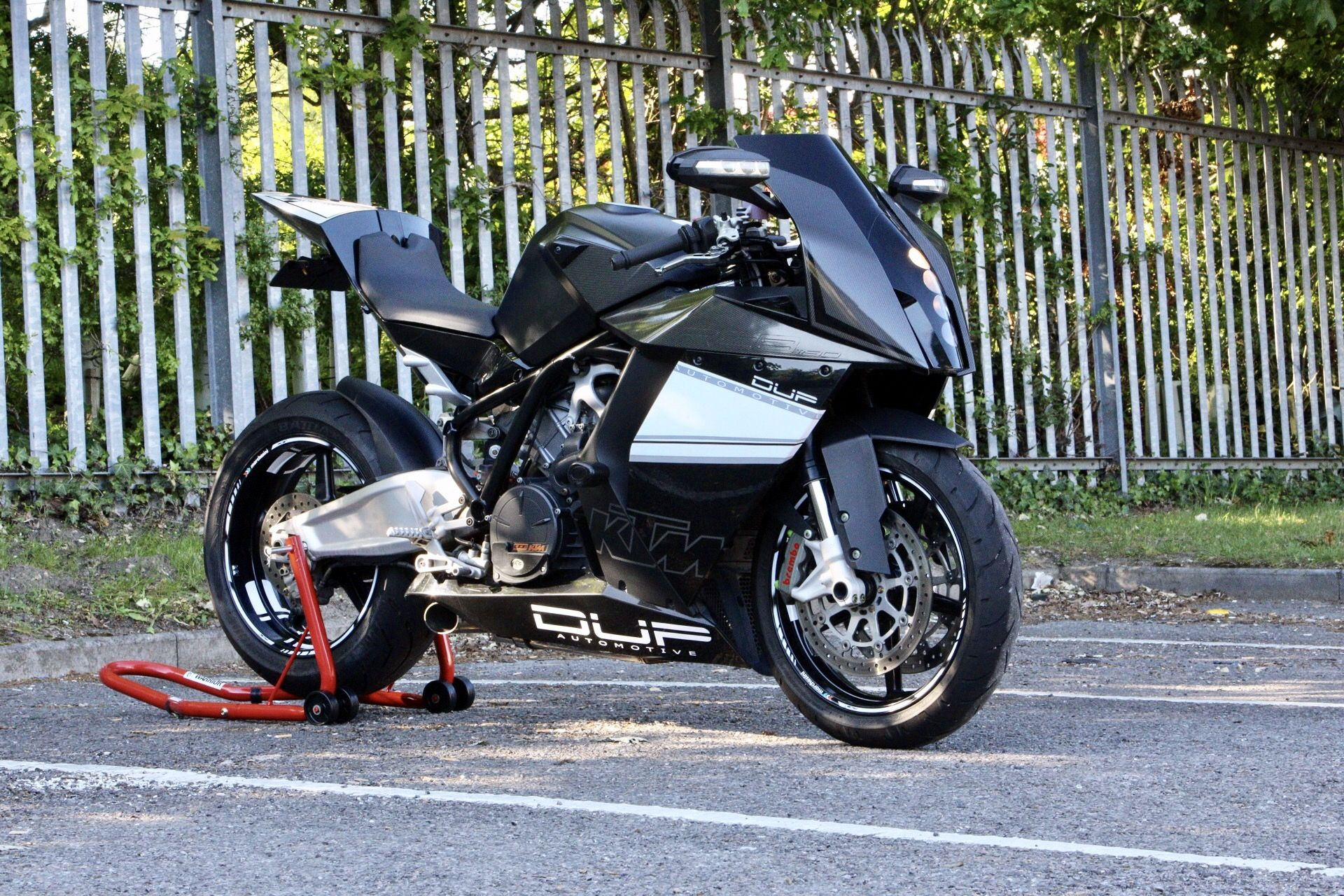 Plastic Surgery: A Naked KTM RC8 from 46Works | Bike EXIF