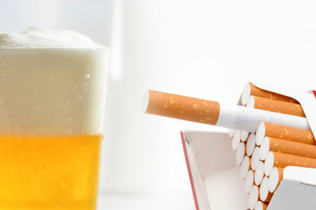 家計を苦しめている 旦那さんのお酒とタバコとゴルフ代 どうすれば上手くやりくりできるか アドバイザーがお答えします お酒 酒 家計