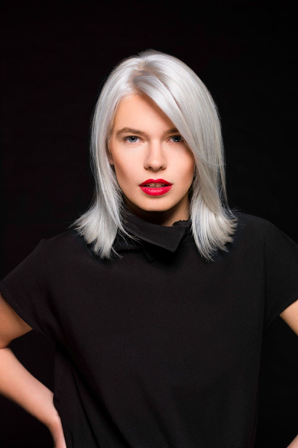 Cheveux gris 40 coiffures qui ne font pas mamie - Couleur cheveux gris ...