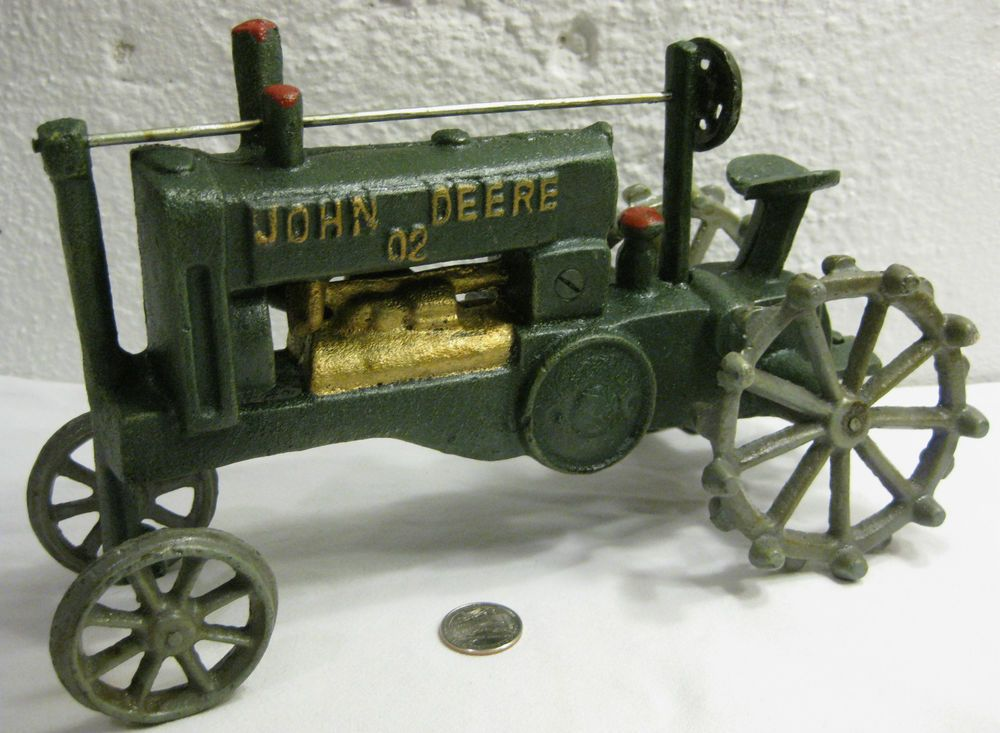 Large Vintage Cast Iron JOHN DEERE 02 Toy Tractor Farm