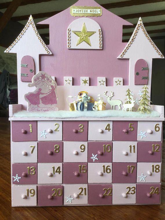 Calendrier De L Avent La Reine Des Neiges Ou Chateau De Paper Craft Diy Projects Paper Crafts Diy Christmas Advent Calendar
