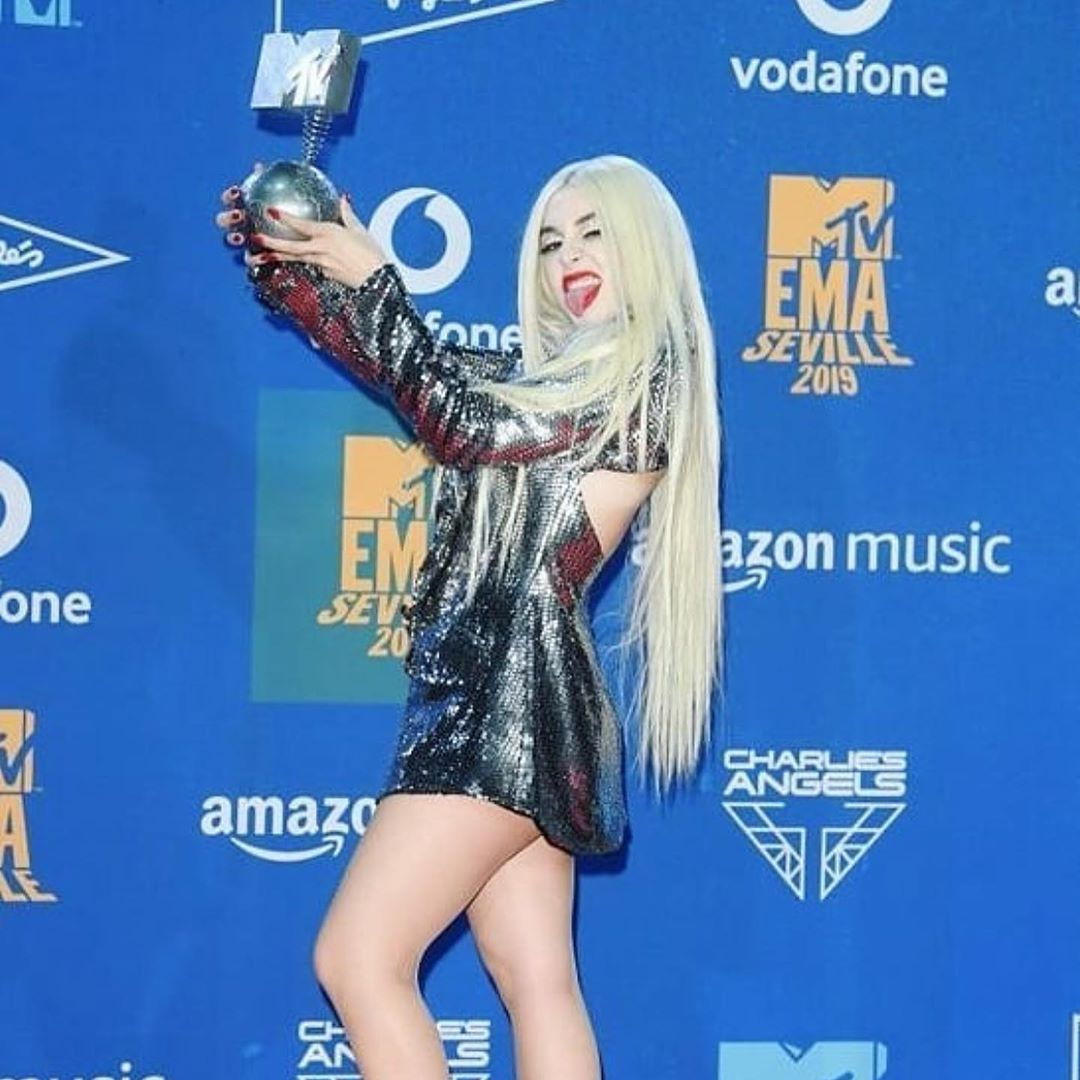 Ava Max On Instagram Thank You To The Incredible Mtv Crew Family And Emas For Best New Mtv Push Artist The Incredibles Mtv Hollywood Actor
