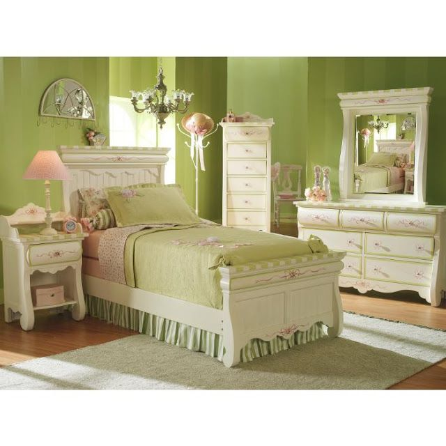 Dormitorio estilo antiguo para ni as romantico en verde for Imagenes cuartos decorados romanticos