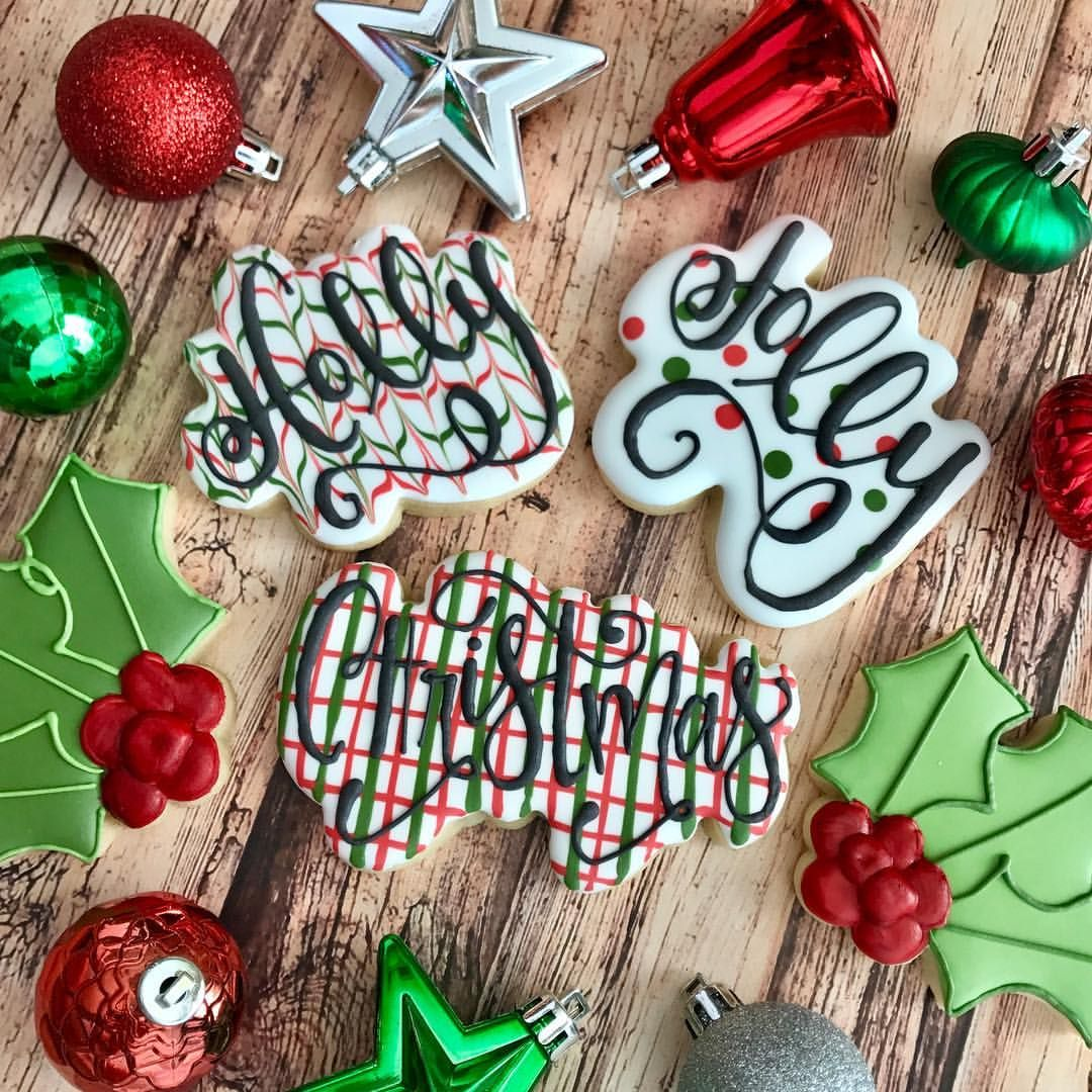🎶Have a holly jolly Christmas! 🎶 #hollyjolly #itsthebesttimeoftheyear #christmascookies #hollycookies #handlettering #edibleart #frenchiessweets #decoratedcookies #instacookies #royalicing #shoplocalky #lexingtonky #sharethelex #cookiesofinstagram