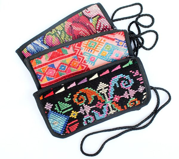 Going on a trip? Our travel line is filled with goodies to help identify your bag in style! Learn about it on our blog!