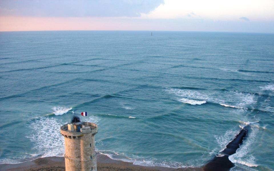 Amazing Grid Waves, Grid Waves,