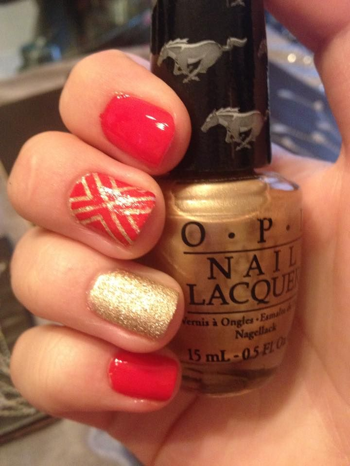 Love my nails like this. OPI nail polish and Christmassy design ...