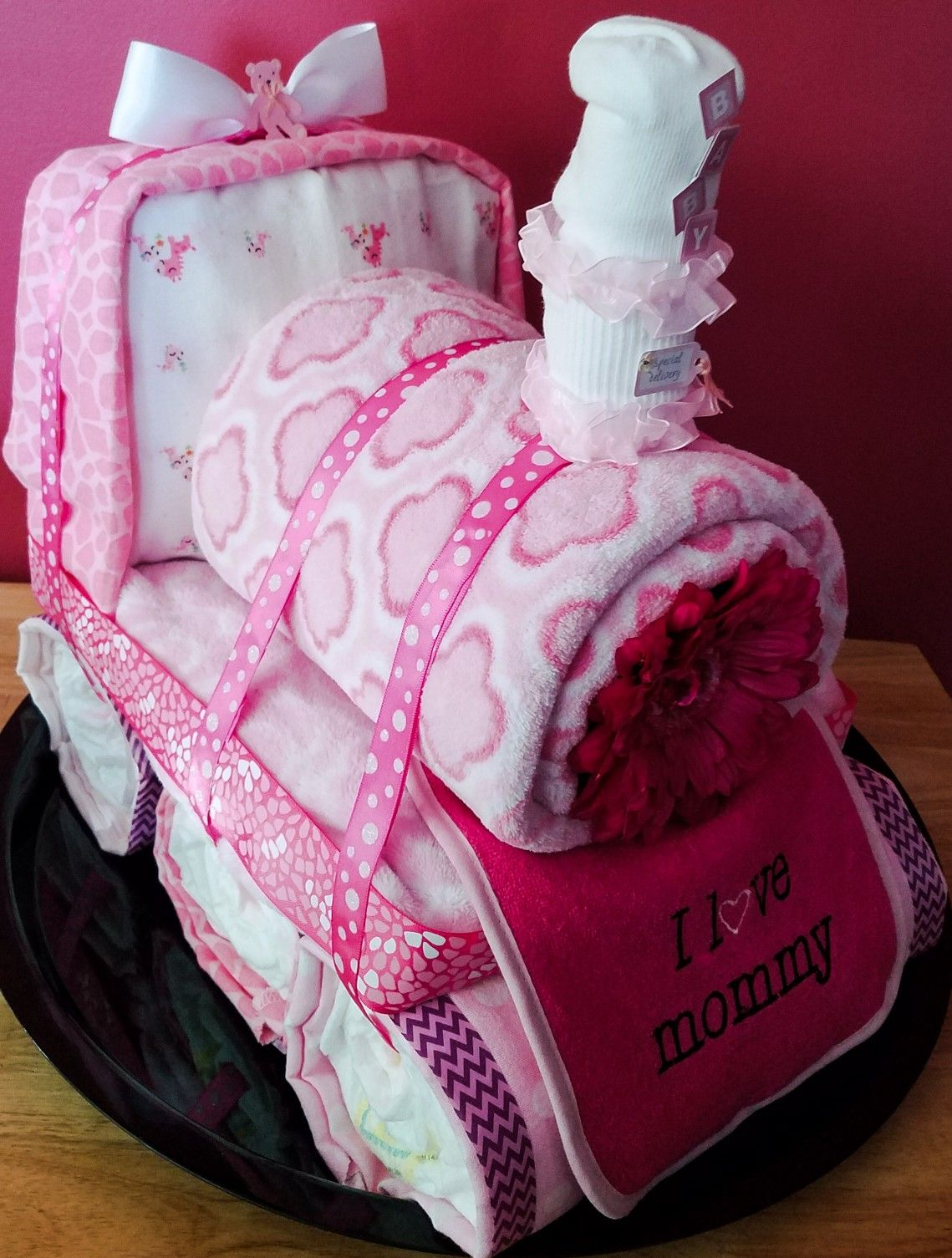 Train diaper cake! Creative Baby Cakes by Kelly! Baby