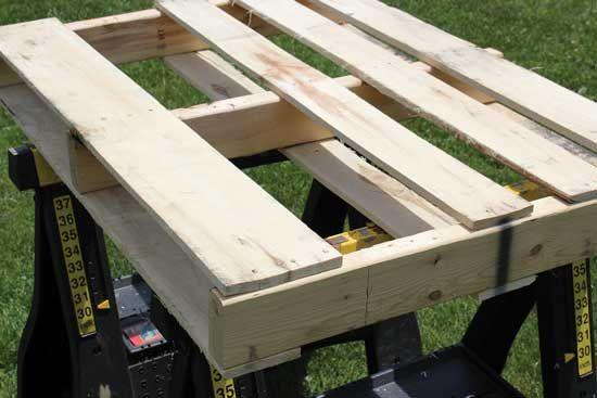 Pallet Wood Projects: DIY Pot Rack