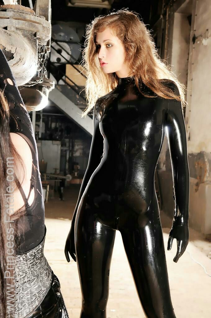 Pin on Latex Catsuits 17