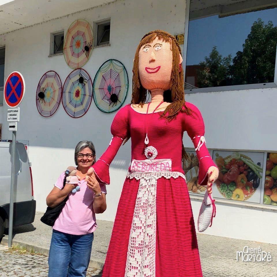 Em Vila Nova De Cerveira Vivem Muitas Pessoas Que Gostam De Fazer Crochê Em 2014 Foi Lançada Uma Proposta Bem Legal Triângulo De Crochê Fazer Croche Atelier