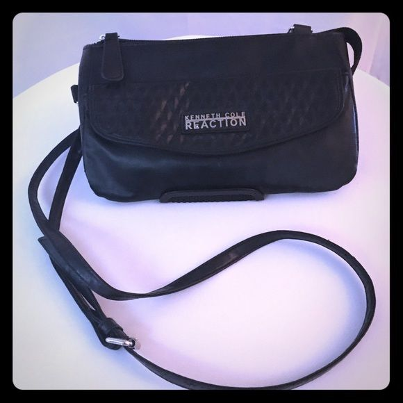 Cross body bag Small and neat with out side pocket for extra room Kenneth Cole Reaction Bags