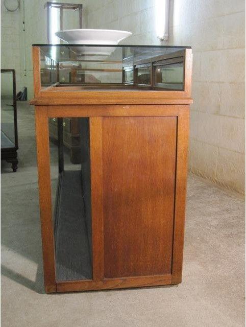 Vitrinekast Voor Op Toonbank.Speurders Nl Antieke Oude Industriele Toonbank Vitrine Interior