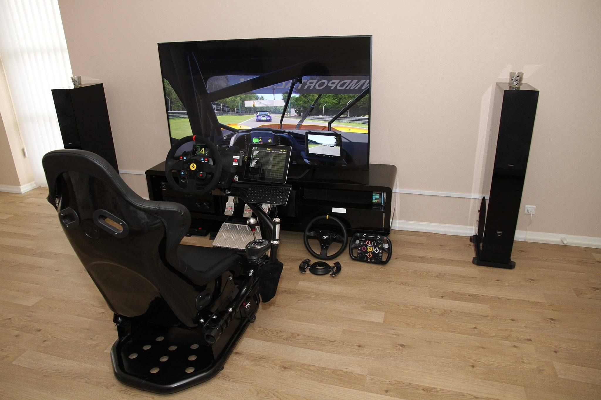 sim racing rig sim racing gaming chair sims racing. Black Bedroom Furniture Sets. Home Design Ideas