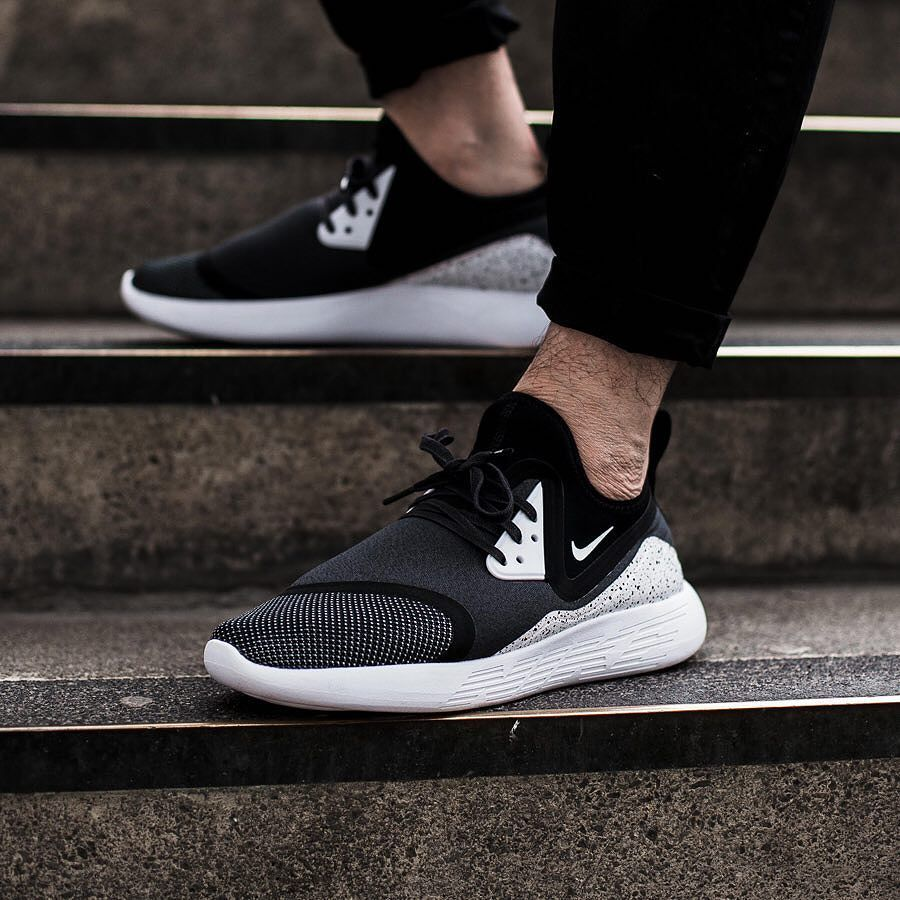 Footwear  Nike Lunarcharge Premium LE