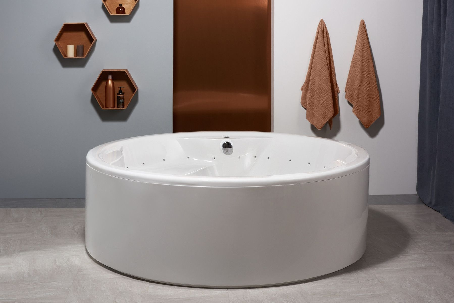 Aquatica Allegra RELAX: Huge Freestanding Circular Massage Bath ...