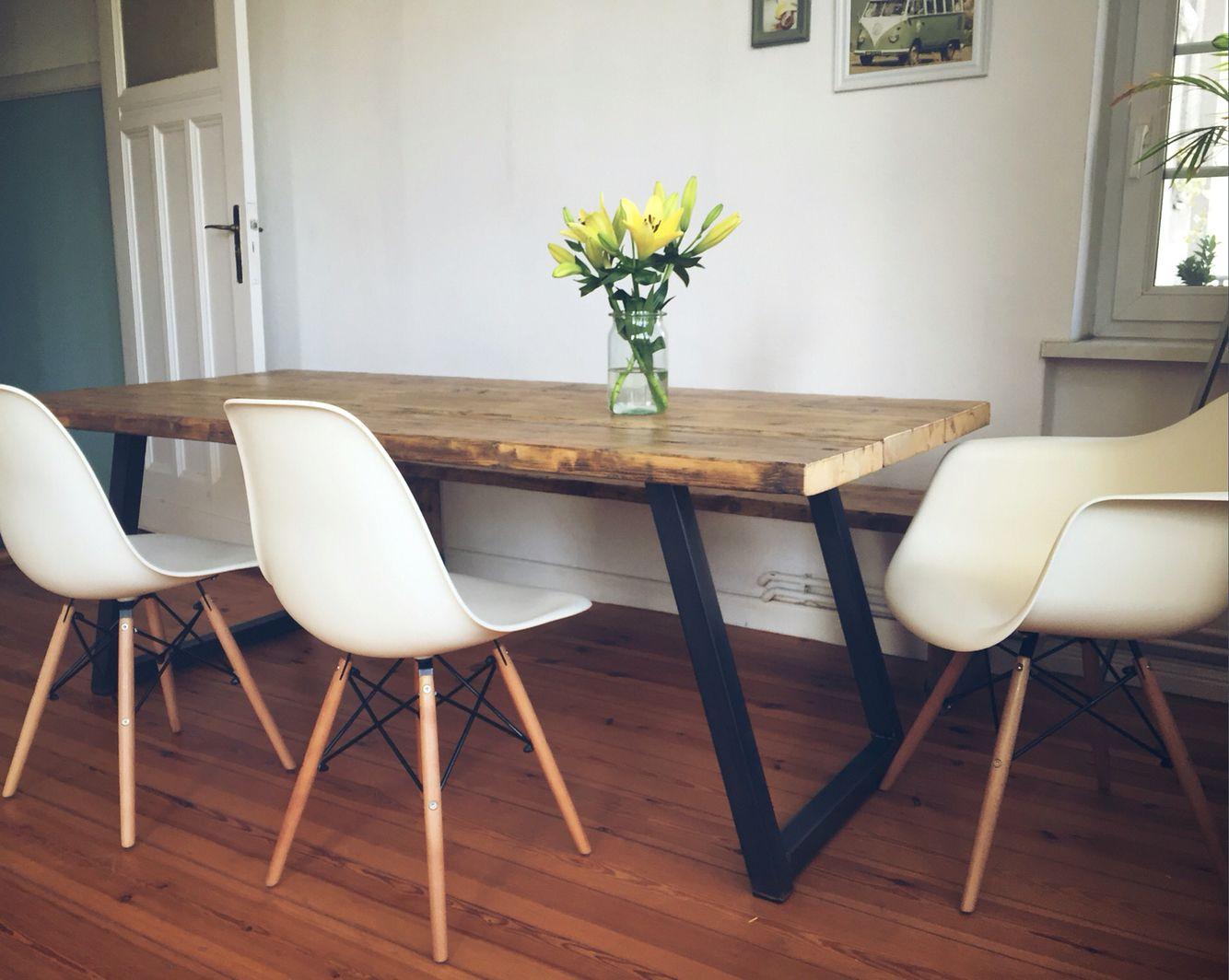 Esstisch hagen mit sitzbank im industriedesign bohlentisch for Esszimmertisch industriedesign