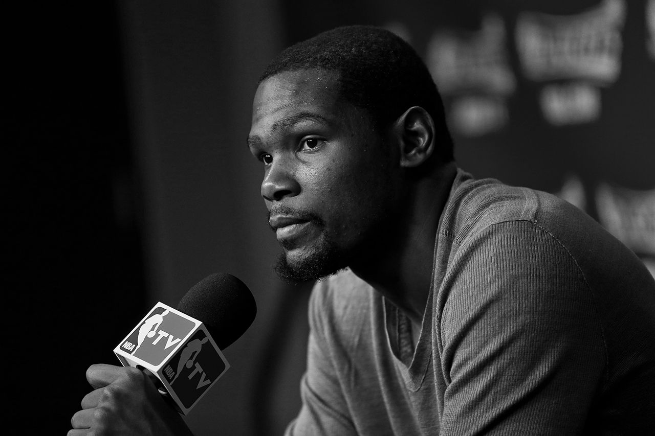 a130f5df5b01 Kevin Durant Signs with Roc Nation Sports