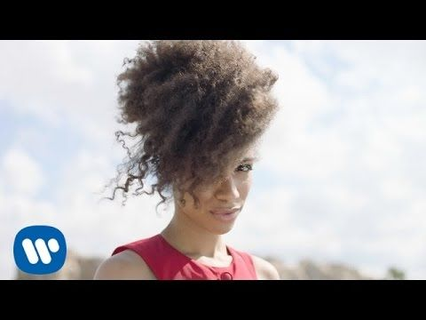 Lianne La Havas Green Gold Official Video Youtube Lianne La Havas Green And Gold Gold Video