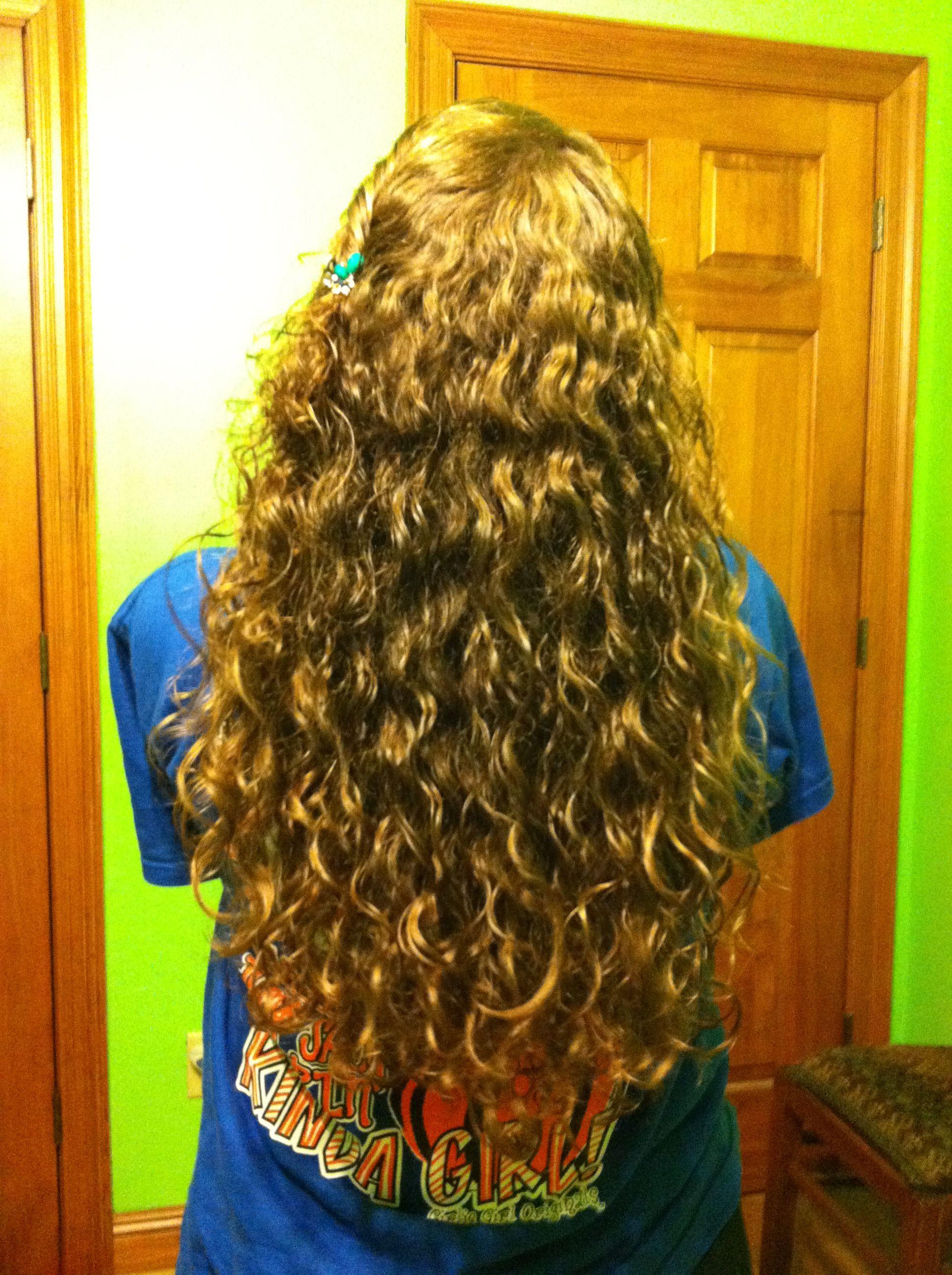 Curly hair!!!<3