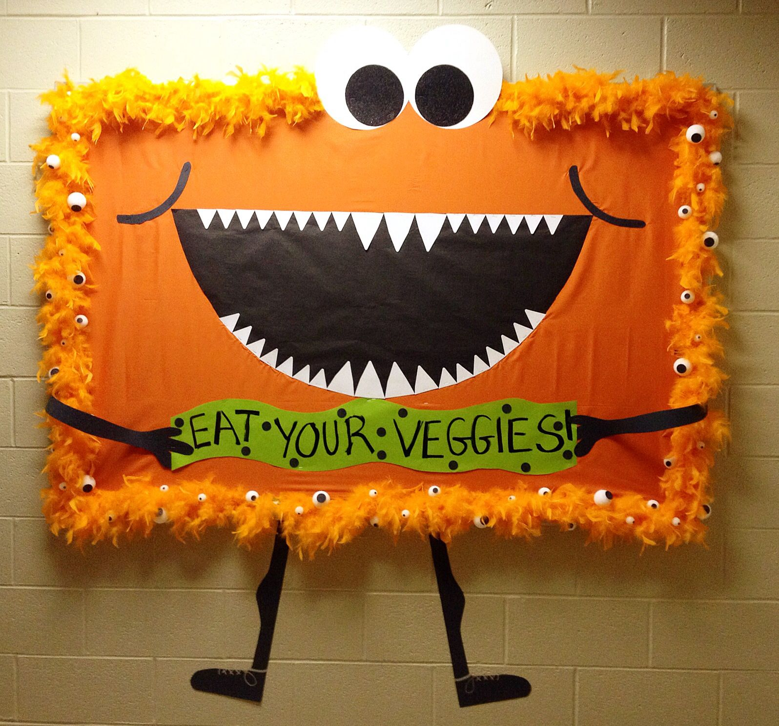 Go green vegetable bulletin board idea myclassroomideas com - Cafeteria Board 8 2014