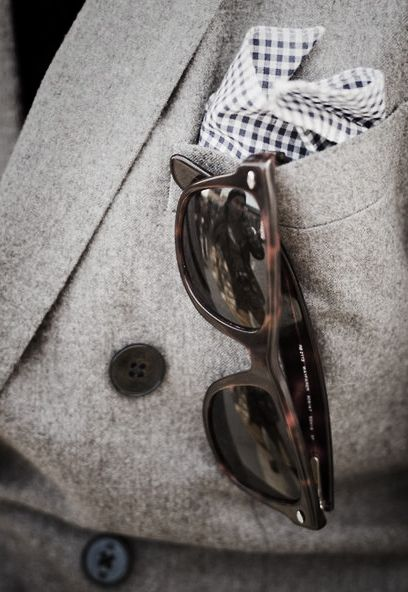 Pocket square, Ray Bans on a single breasted blazer with extra buttons. www.fashioniconusa.com